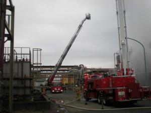 大型消防車による消火訓練